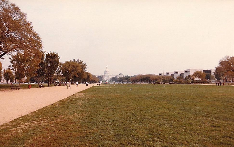 1983-USA-WASHINGTON-CAPITOL GARDENS.jpg