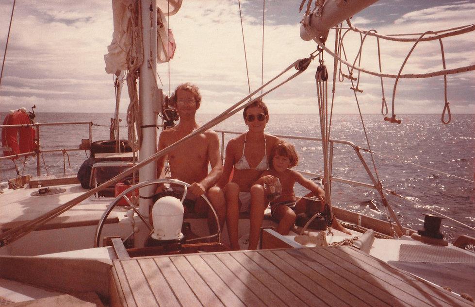 1982-THE FAMILY.jpg