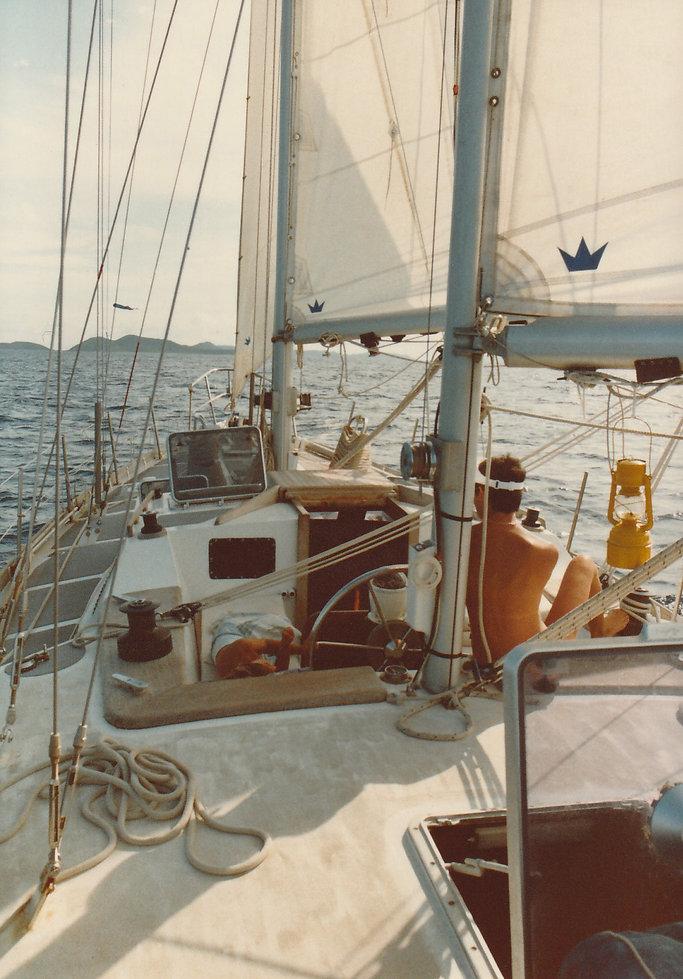 1982-SAINT BARTH-DEBORAH SOUS VOILES-2.j