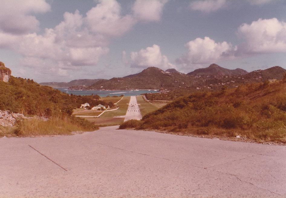 1981-SAINT BARTH-AEROPORT-1.jpg