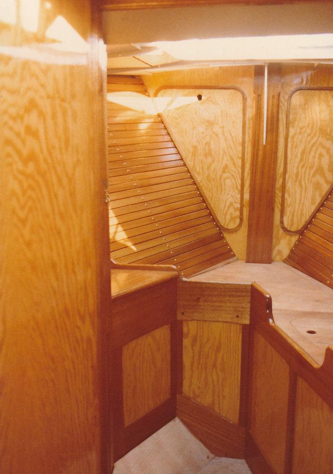 1979-CABINE AVANT-1.jpg