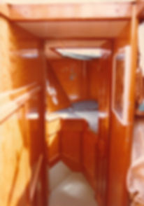 1983-CABINE AVANT.jpg