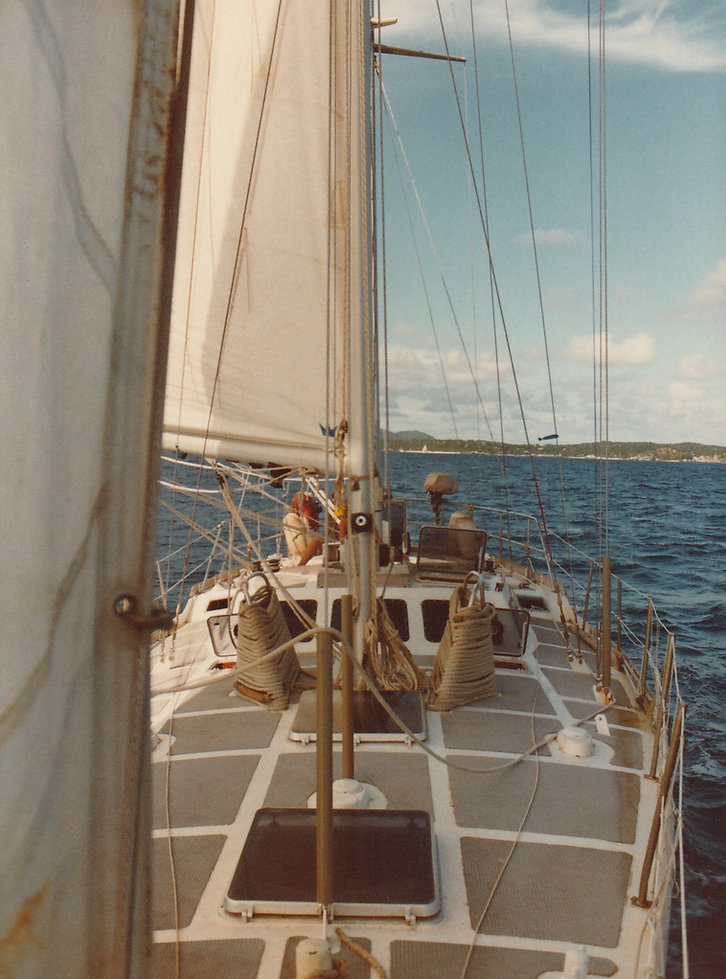 1982-SAINT BARTH-DEBORAH SOUS VOILES-1.j