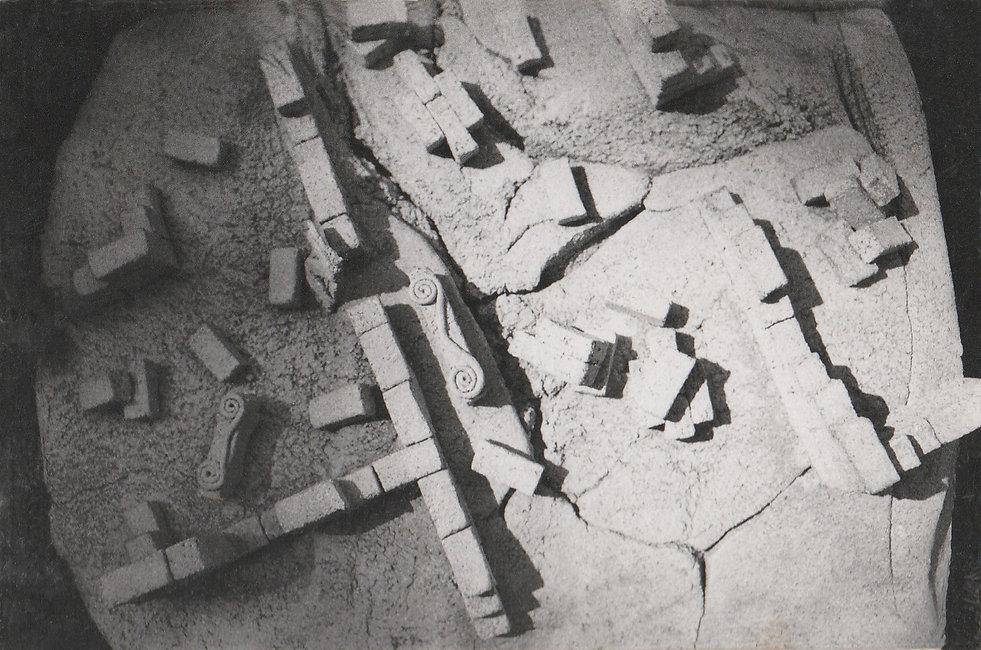 1977-LES RUINES-1.jpg
