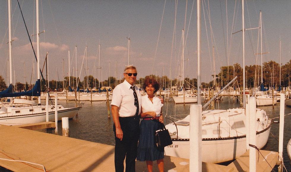 1983-PHILIP AND GINY-MARYLAND MARINA.jpg