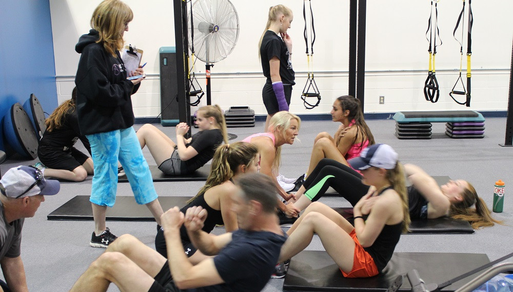 Team training Midget A situps