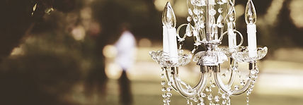 chandelier-1082182_1920.jpg