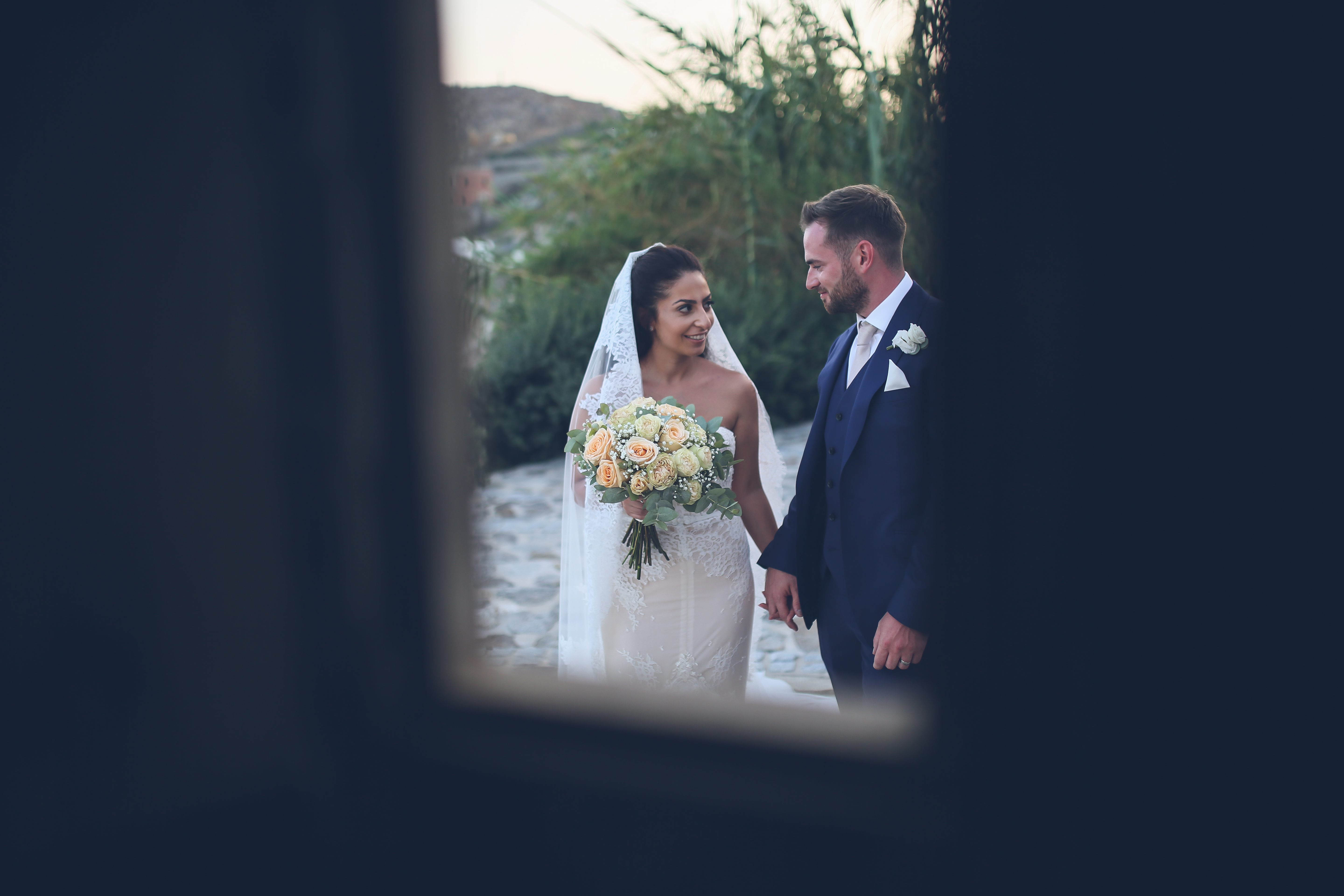 bride and groom shoot mykonos