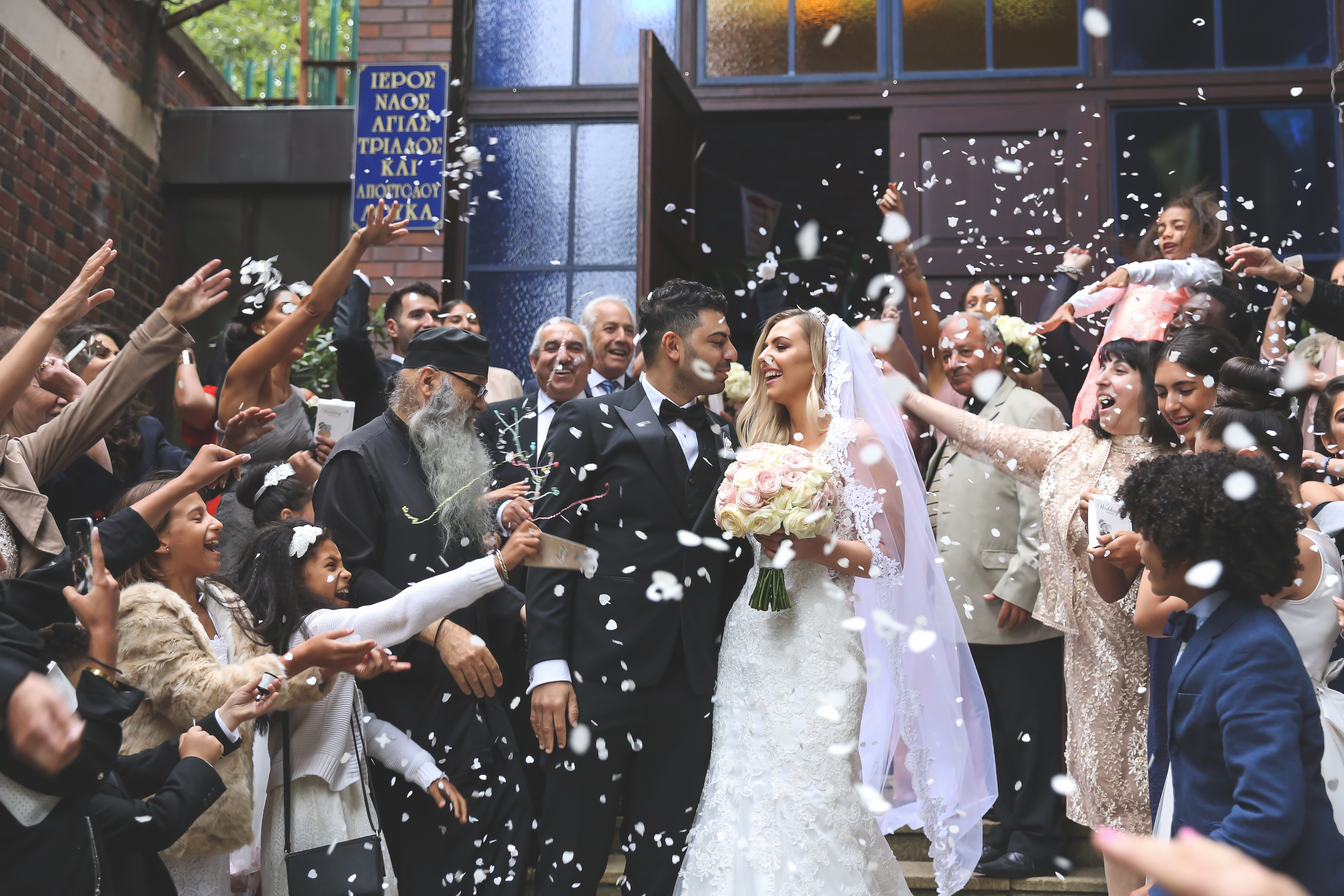 confetti to the newly weds
