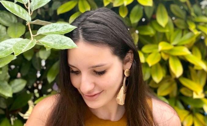 Pellicules cheveux: un remède maison montre un résultat étonnant