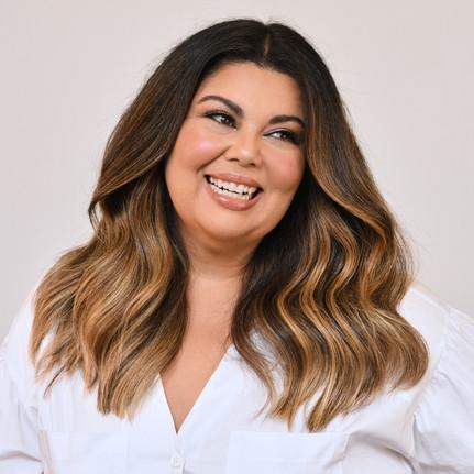 Fabiana Karla apresenta novo cabelo cheio de luminosidade