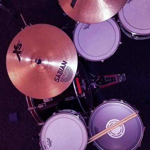 drums3-blue.jpg