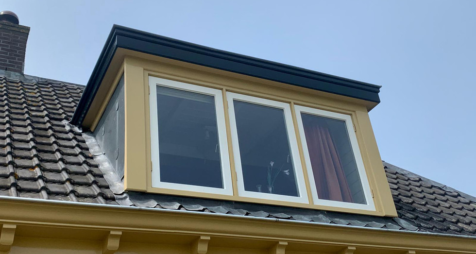 Buitenschilderwerk klassiek dakkapel