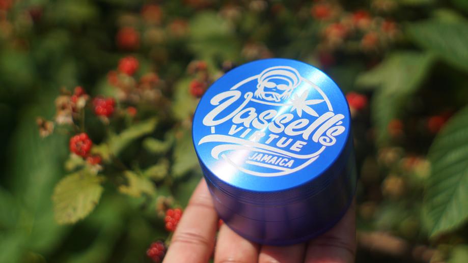 Large Bleu Dream Grinder