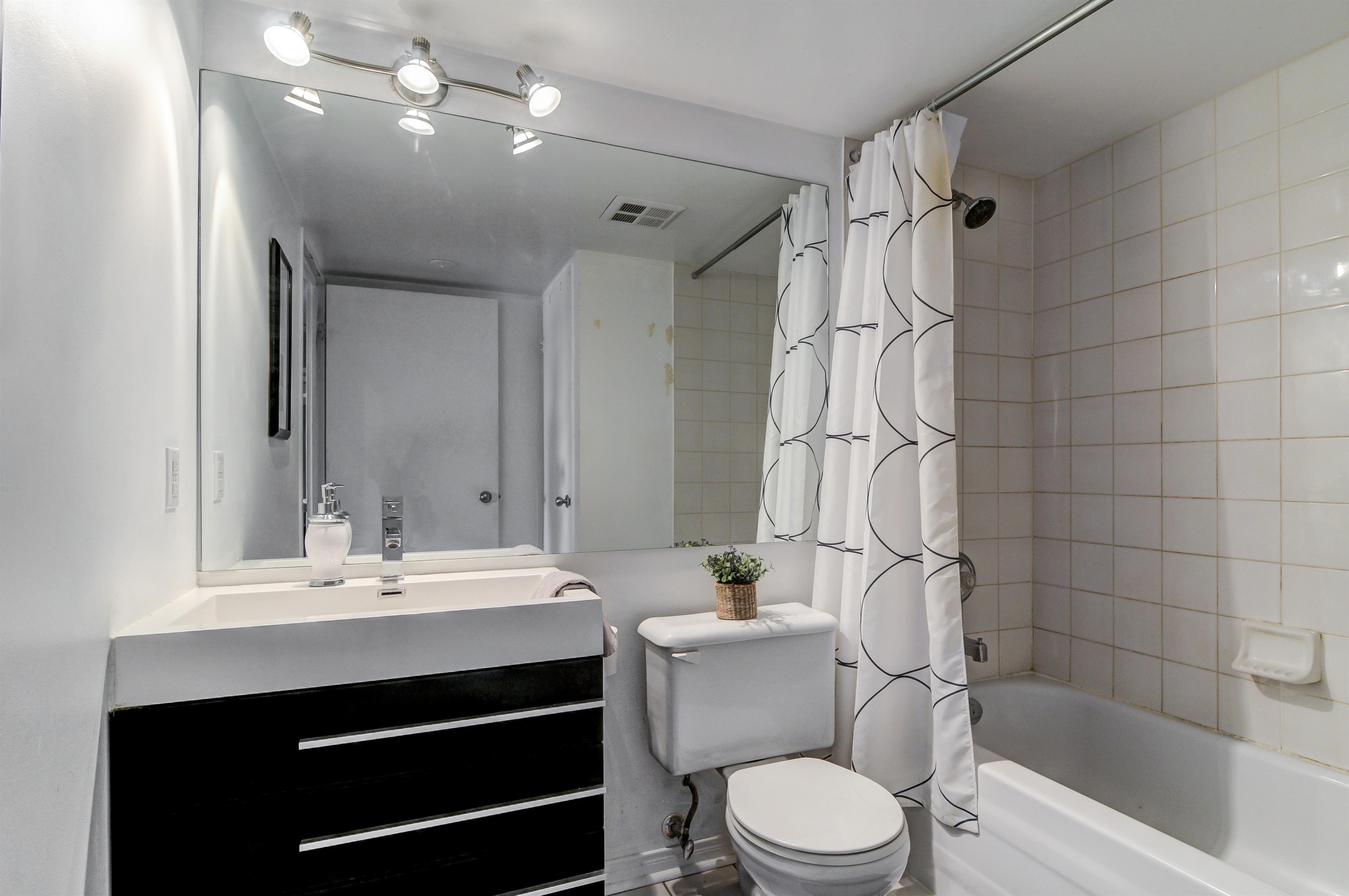 Bathroom2_1