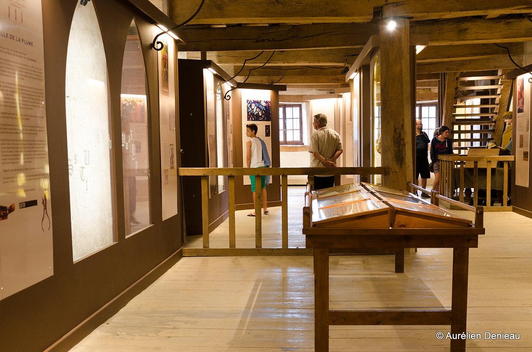 intérieur du musée scriptura château-fort de bouillon