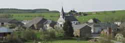village avec clocher bellevaux