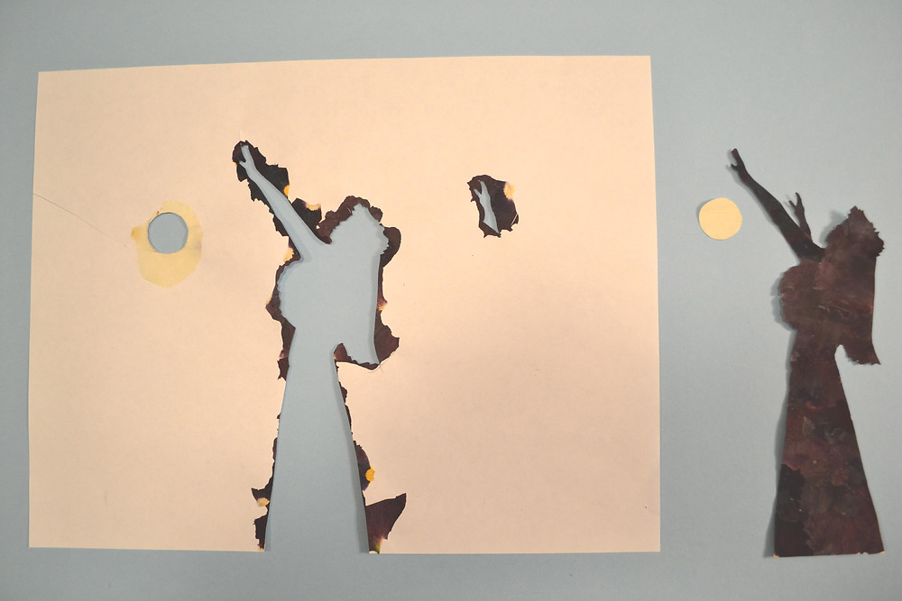 the figure of the Hawaiian dancer (Hula dancer) and the figure of the sun
