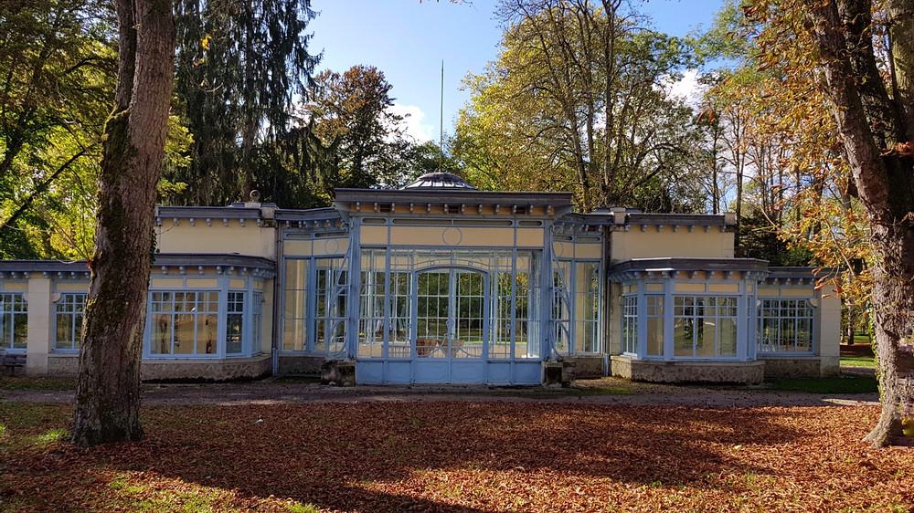 מבנה זכוכית בצרפת - אסנת ברק