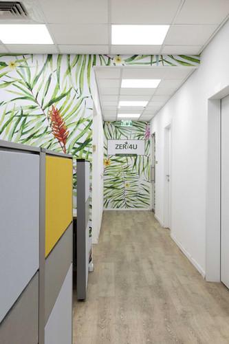 מרכז הזמנות טלפוני במשרדי ZER4U