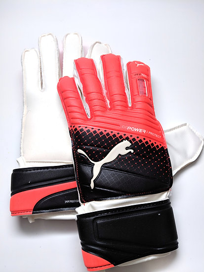 Puma evoPower 3 Protect Goalkeeper Gloves