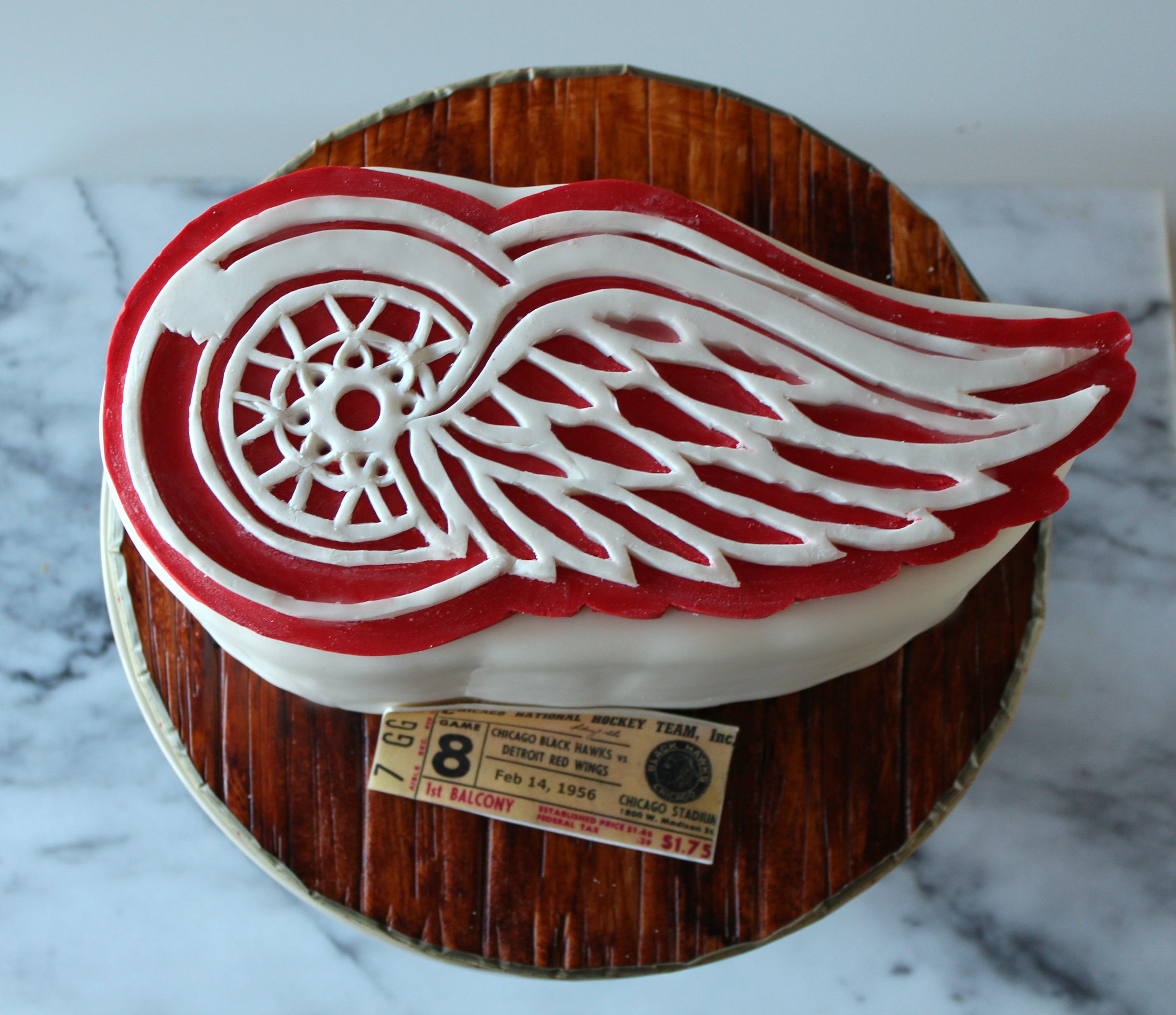 detroit redwings birthday cake e