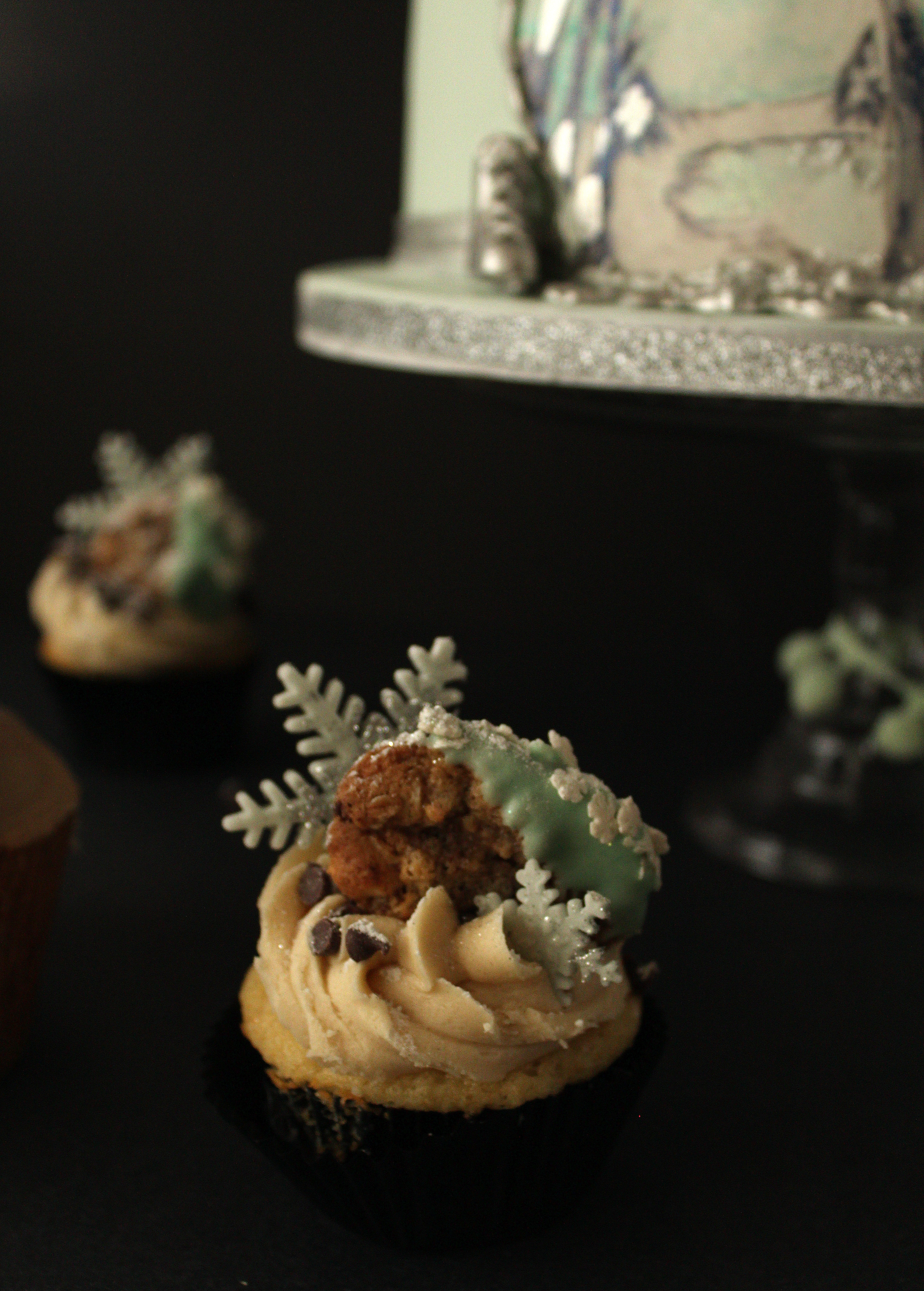 20150123-Vanilla Cupcake with Cookie Dough Frosting and mini Chocolate Chip cook