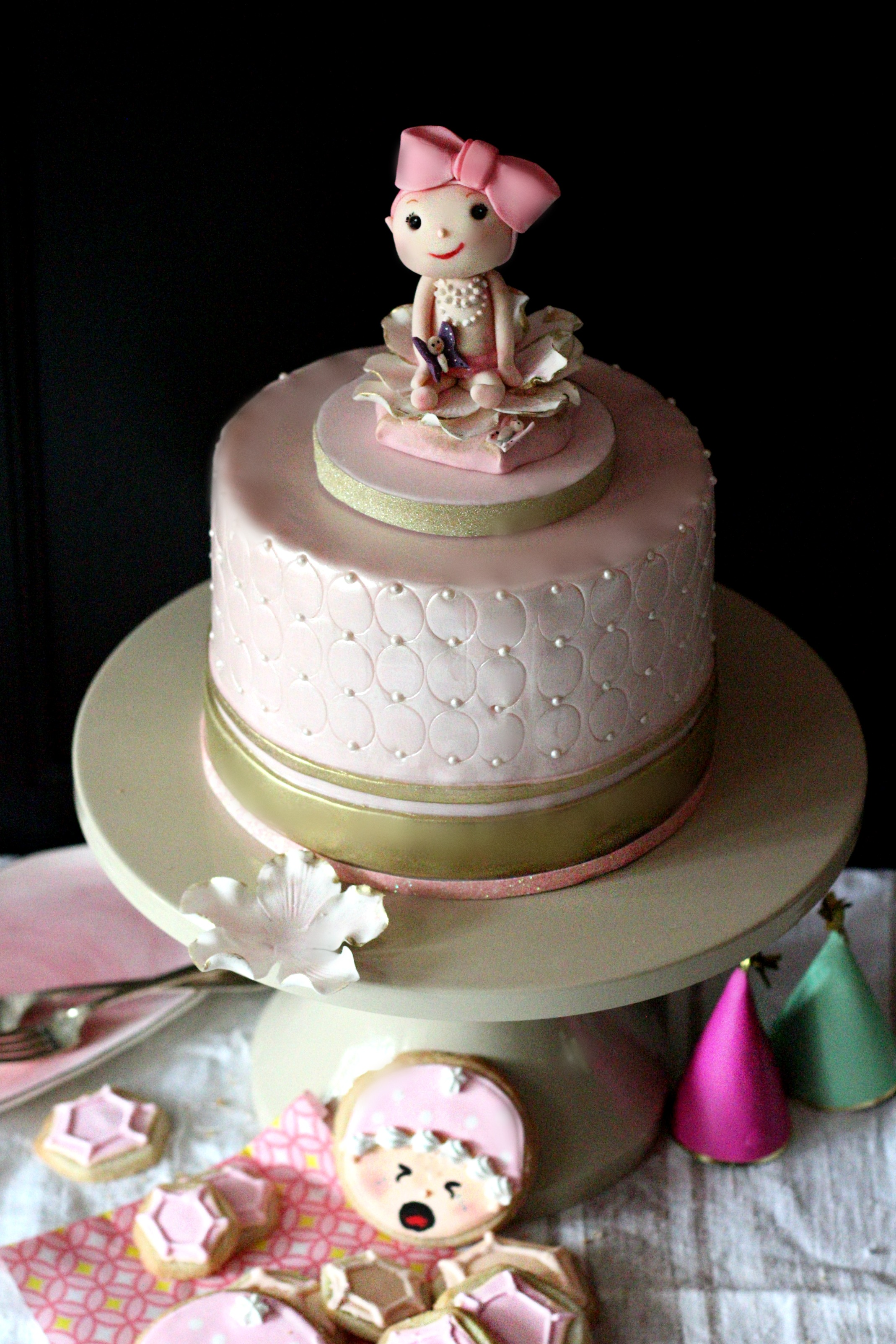 baby girl shower cake pink gold sculpture pe