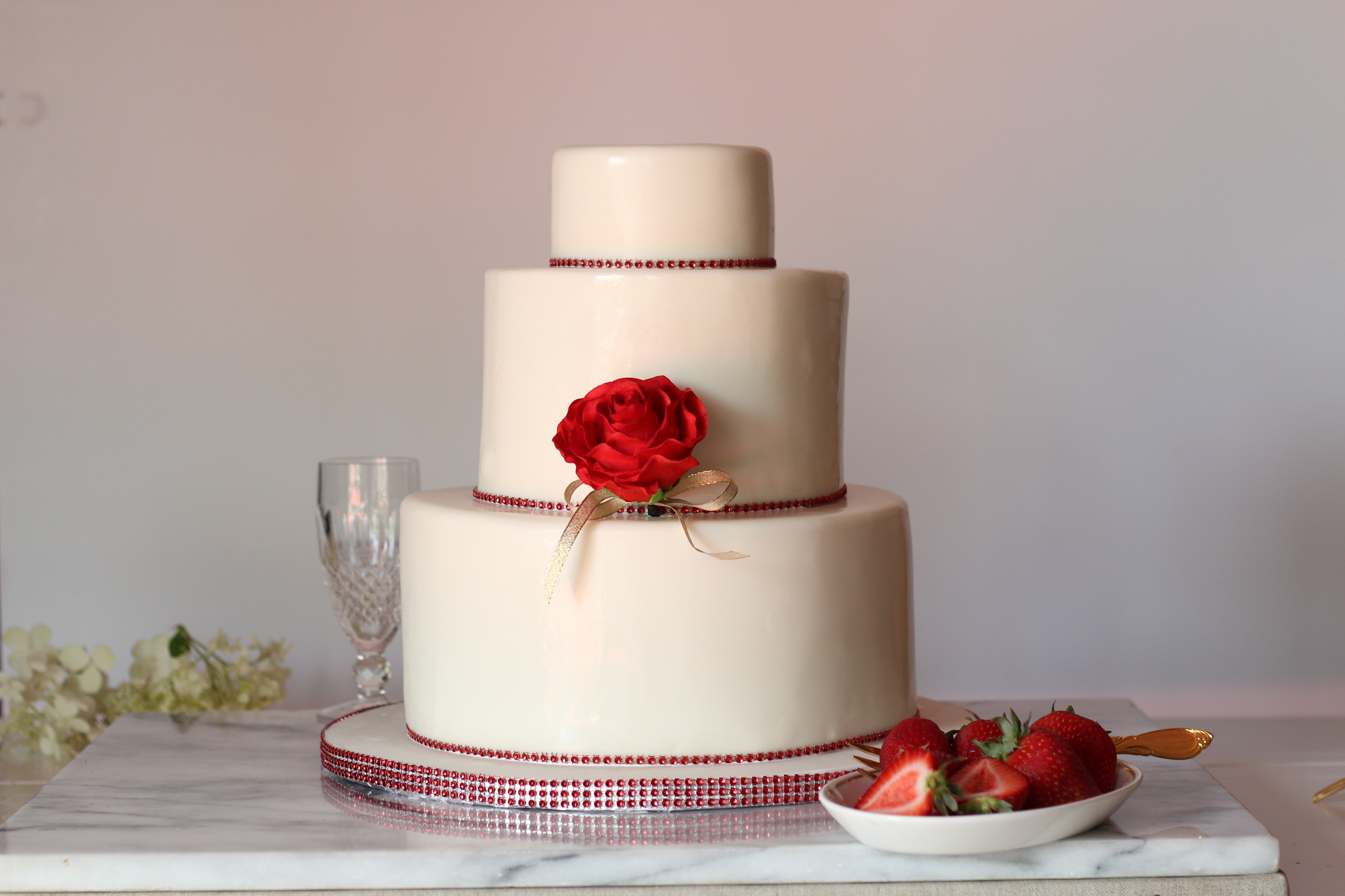 red rose birthday cake quinceanera.jpg