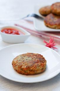 Tuna Potato Cakes - www.tmcooksyourelax.com