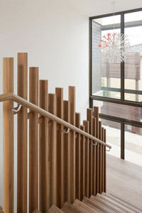 Contemporary staggered design image
