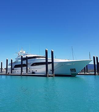 yacht-1737103_1920_edited.jpg