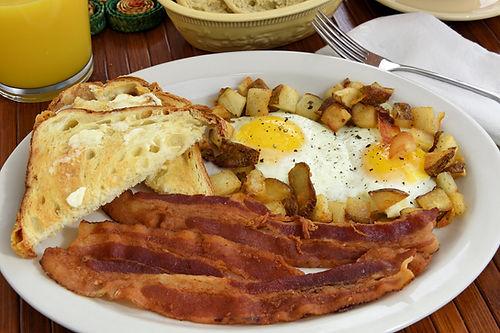 Breakfast Plate at Rod n Reel Pier