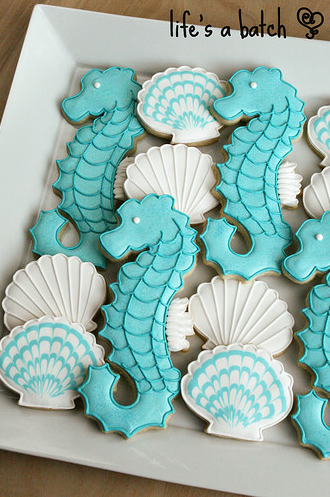 sea horse coastal christmas cookies