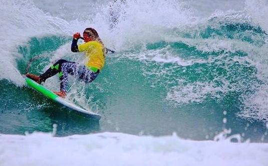 Women's Surfer Ozzie Gomez