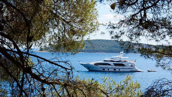 mister-z-benetti-delifino-93-yacht-seane