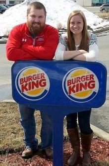 Joel Burger e Ashley King. Algo de familiar nestes sobrenomes?