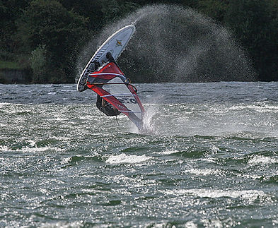 windy windsurfing like the sea spray in bedford milton keynes