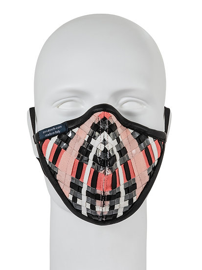 AT-MASK mascherina fashion in pelle intrecciata rosa vista frontale, fashion mask in pink woven leather front view
