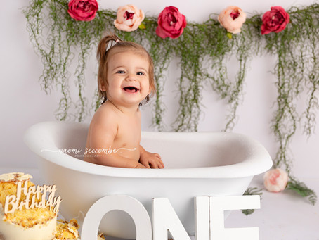 Olivia - 12 Month Cake Smash