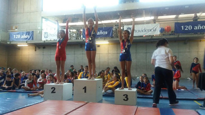 Premiación salto nivel 2 franja 3. Segundo lugar  Catalina Borquez.