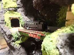 テーブル山水(鉄道模型)3.jpg
