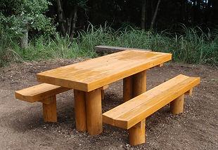 屋外テーブルベンチ.jpg