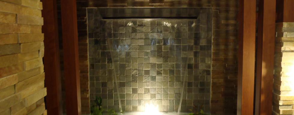 水の流れる庭 池・壁泉8.jpg