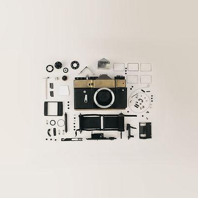 dslr-camera-flat-lay-821652.jpg