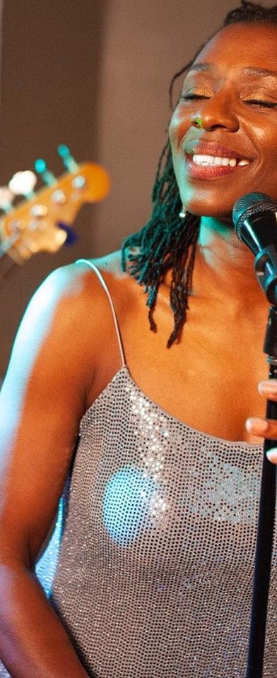 Jazz Singer Ginger Bennett