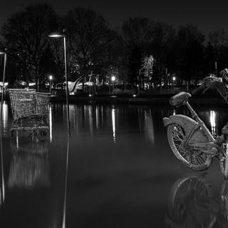 002_HC_Alan-Field_Bleu-Bikes-Black-White
