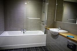 HKI2039_Bathroom.jpg