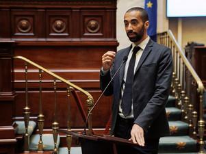 """Sammy Mahdi betreurt verdachtmakingen over opsluiting van kinderen: """"Kijk naar het regeerakkoord"""""""