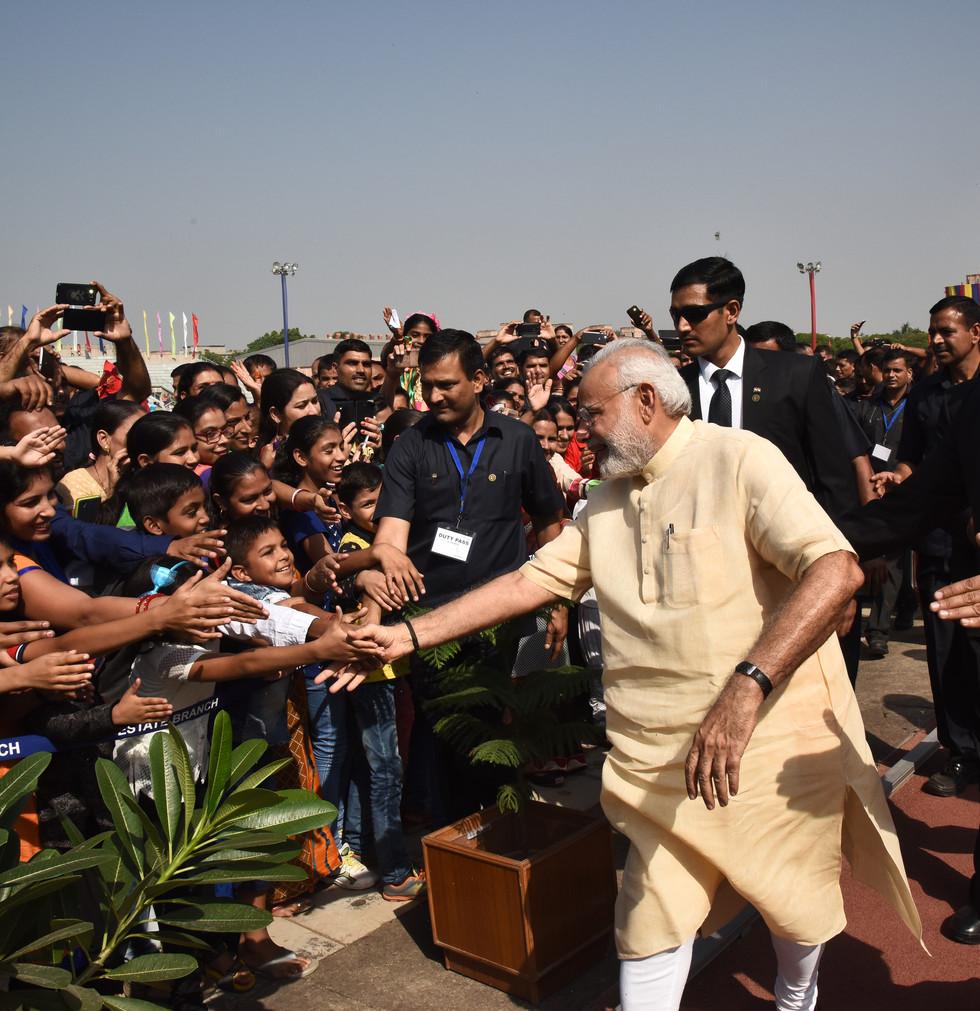 PM with People at SPG Dwarika.JPG.jpg